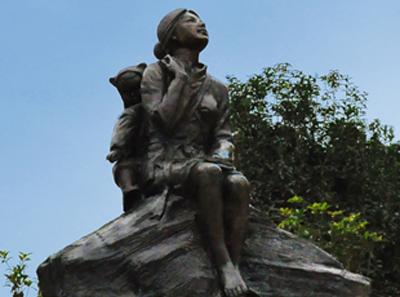 《背子坡》-铸铜雕塑